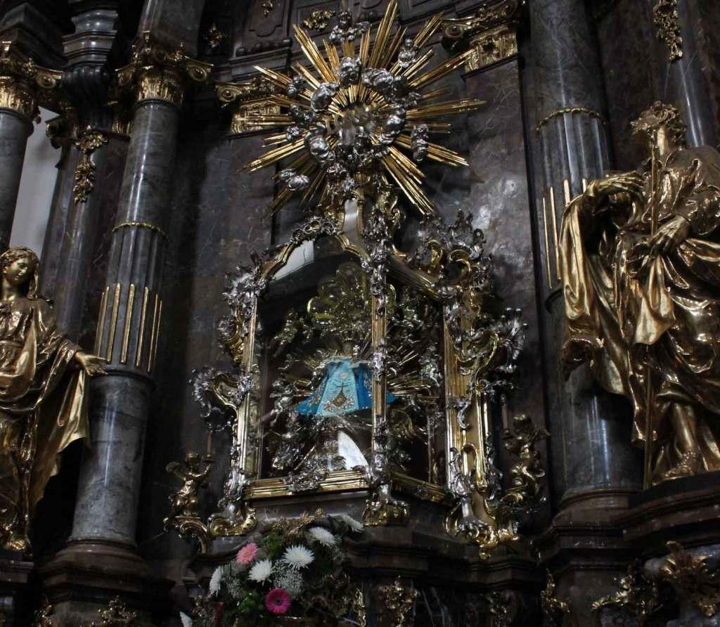 Imagem do menino Jesus de Praga. Foto: Viagem 0800
