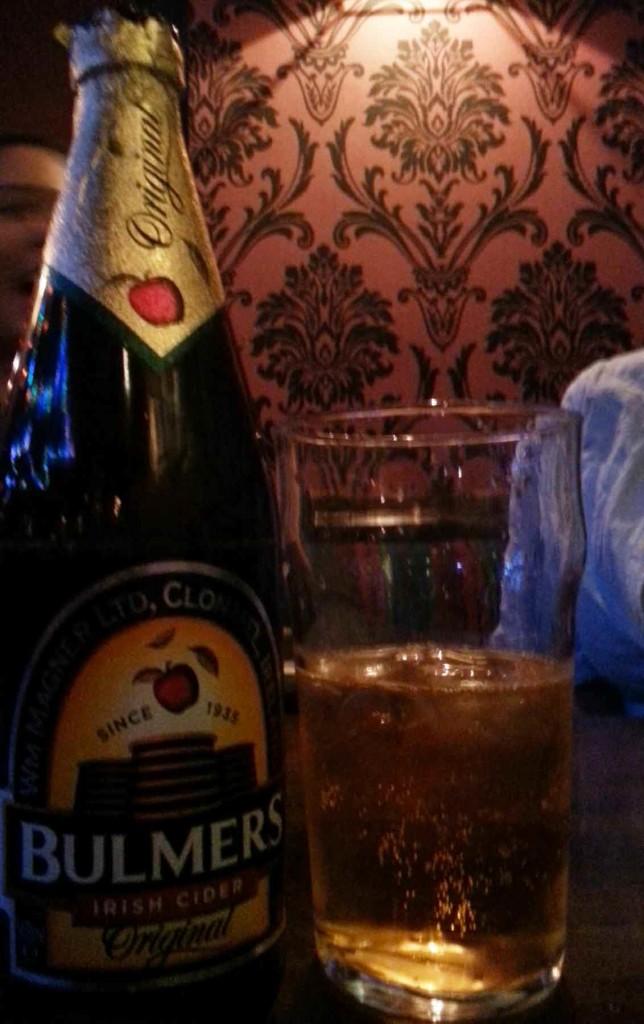 cidra em bar em  Galway, na Irlanda