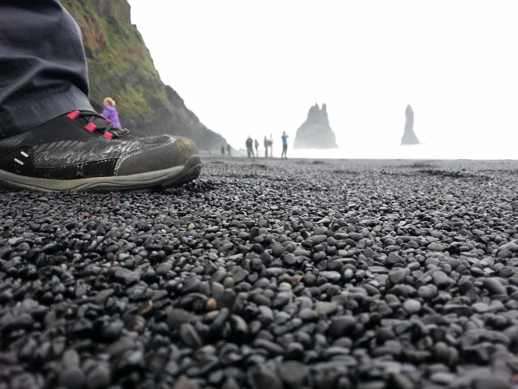 Vik - Black Sand Beach, ou praia de areia preta, na Islândia