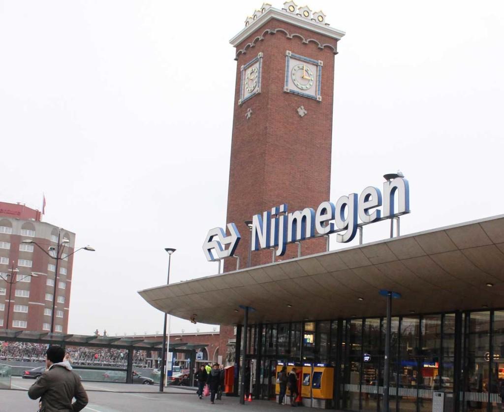 fachada estacao central de trem nijmegen
