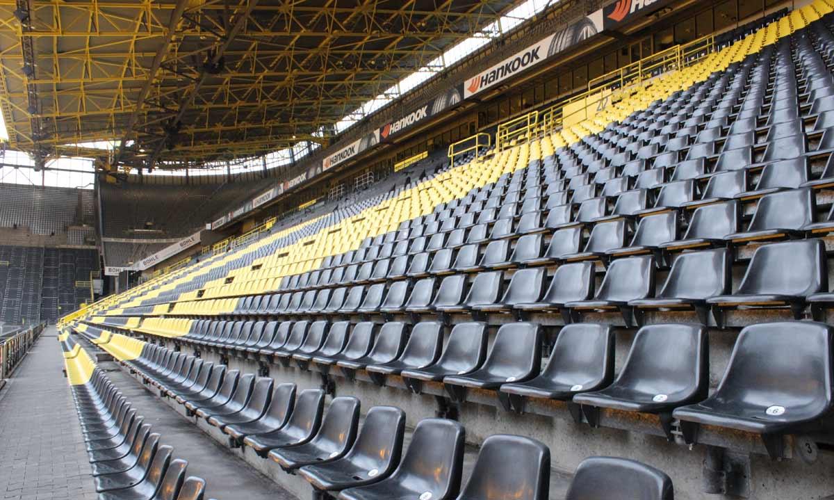 arquibancadas do estádio signal iduna park, do Borussia Dortmund