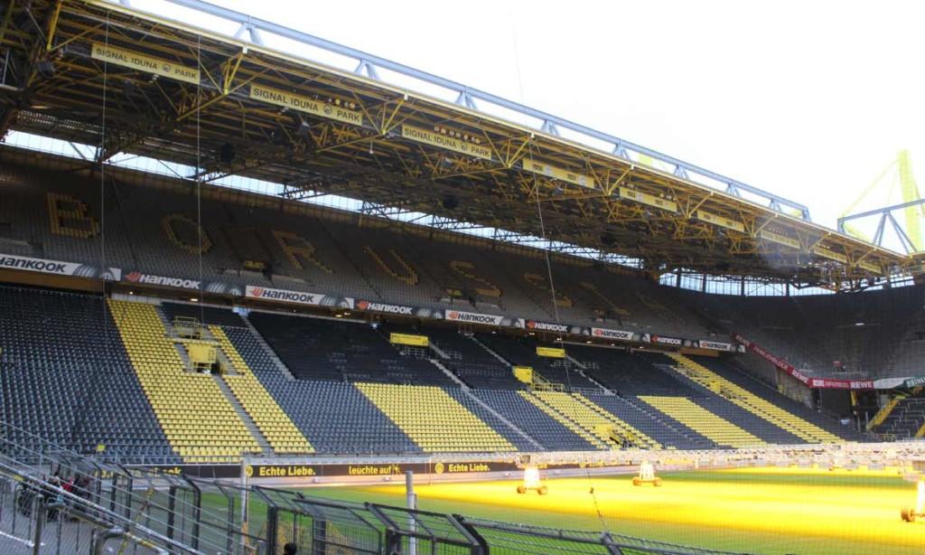 Arquibancadas do estádio