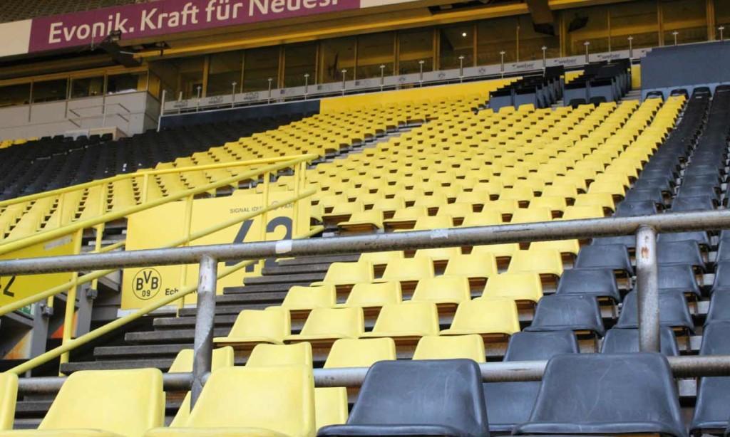 Arquibancadas do Westfallen Stadion, como preferem os torcedores