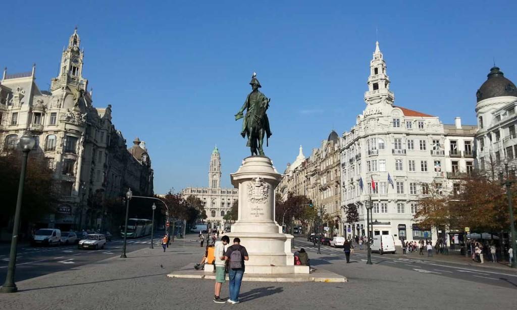 Estátua da Liberdade Porto Portugal