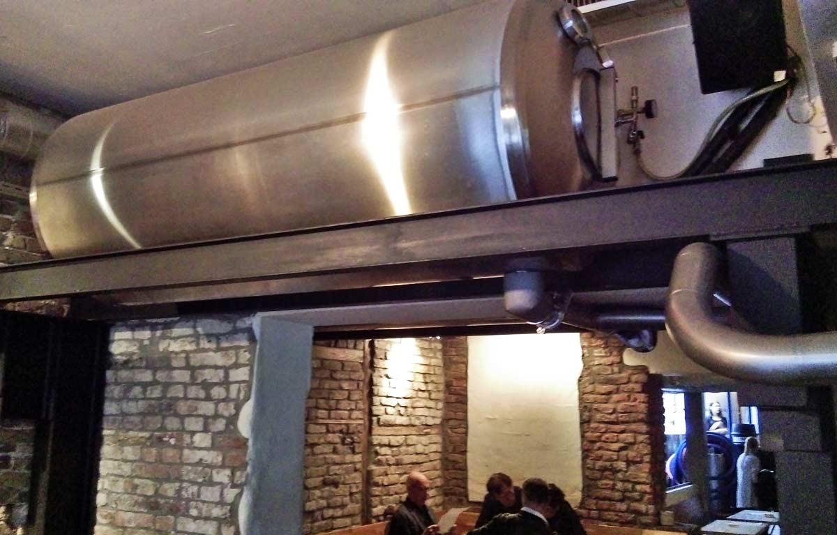 O barril que conecta a fábrica ao bar