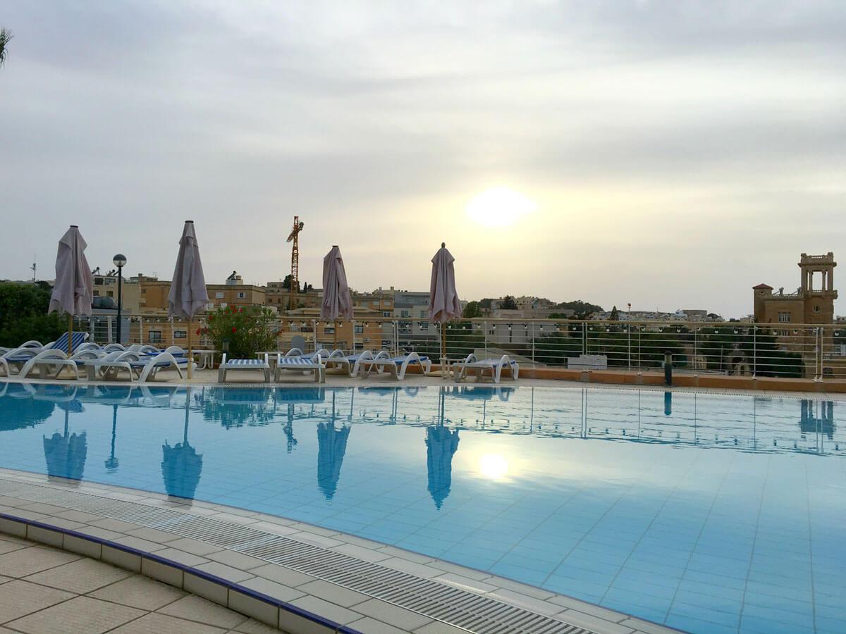 piscina ao ar livre Intercontinental Malta