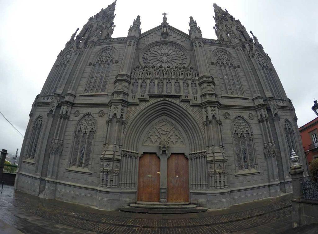 ilhas-canarias-gran-canaria-arucas-catedral