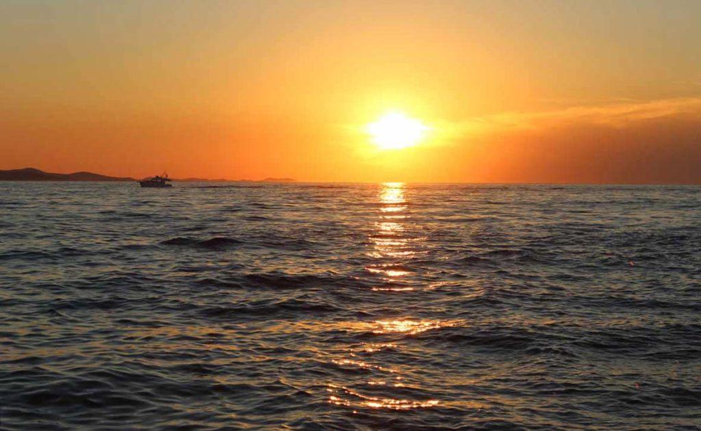 sol se pondo em Zadar, na Croácia