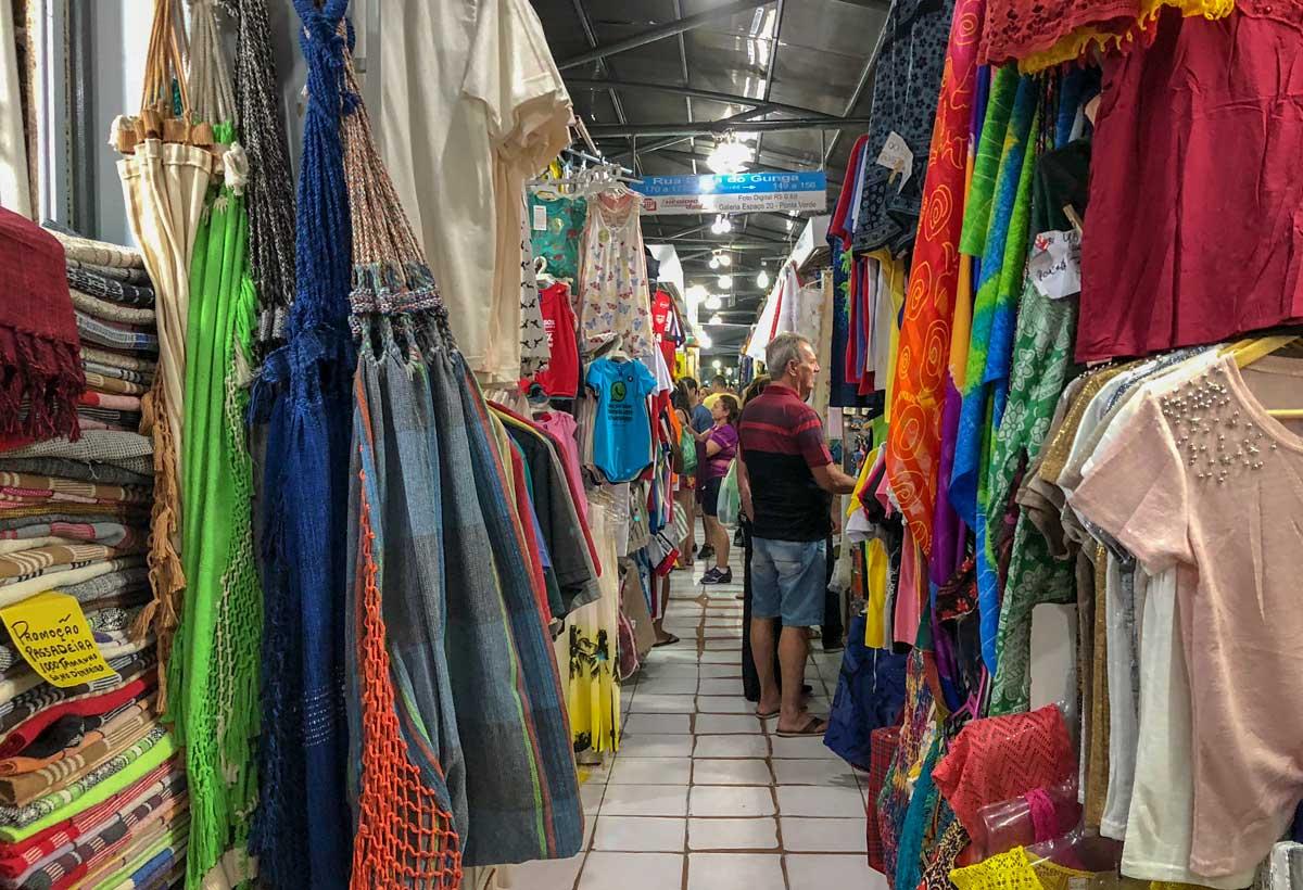 feira de artesanato de pajuçara, em Maceió