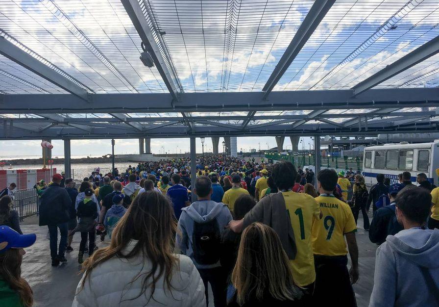 saída do estádio do zenit, em sao petersburgo