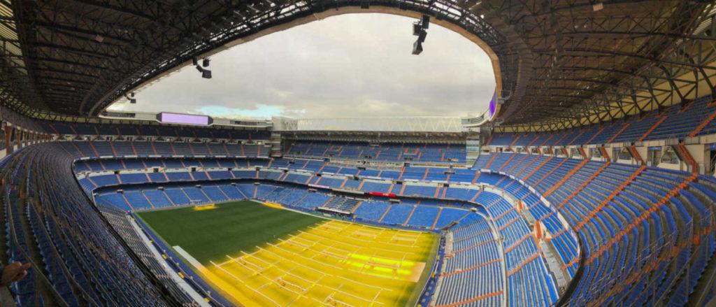 vista de cima do estádio santiago bernabeu do real madri