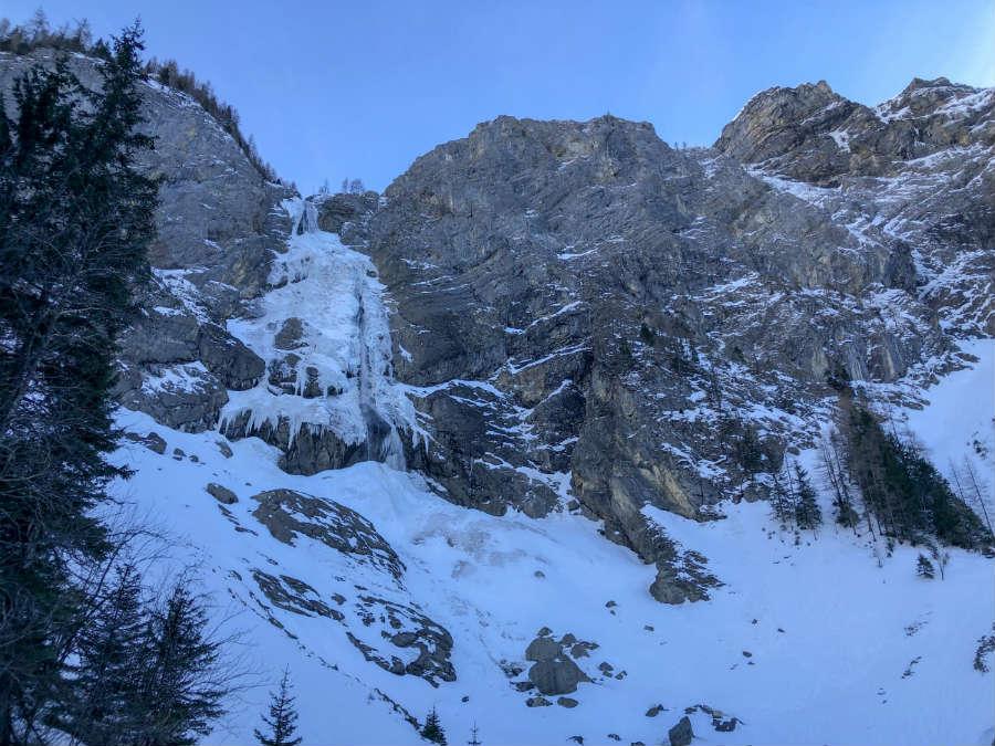cachoeira do engstligenalp na suica
