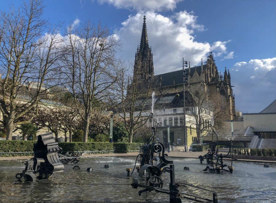 canival fontain no centro de Basel