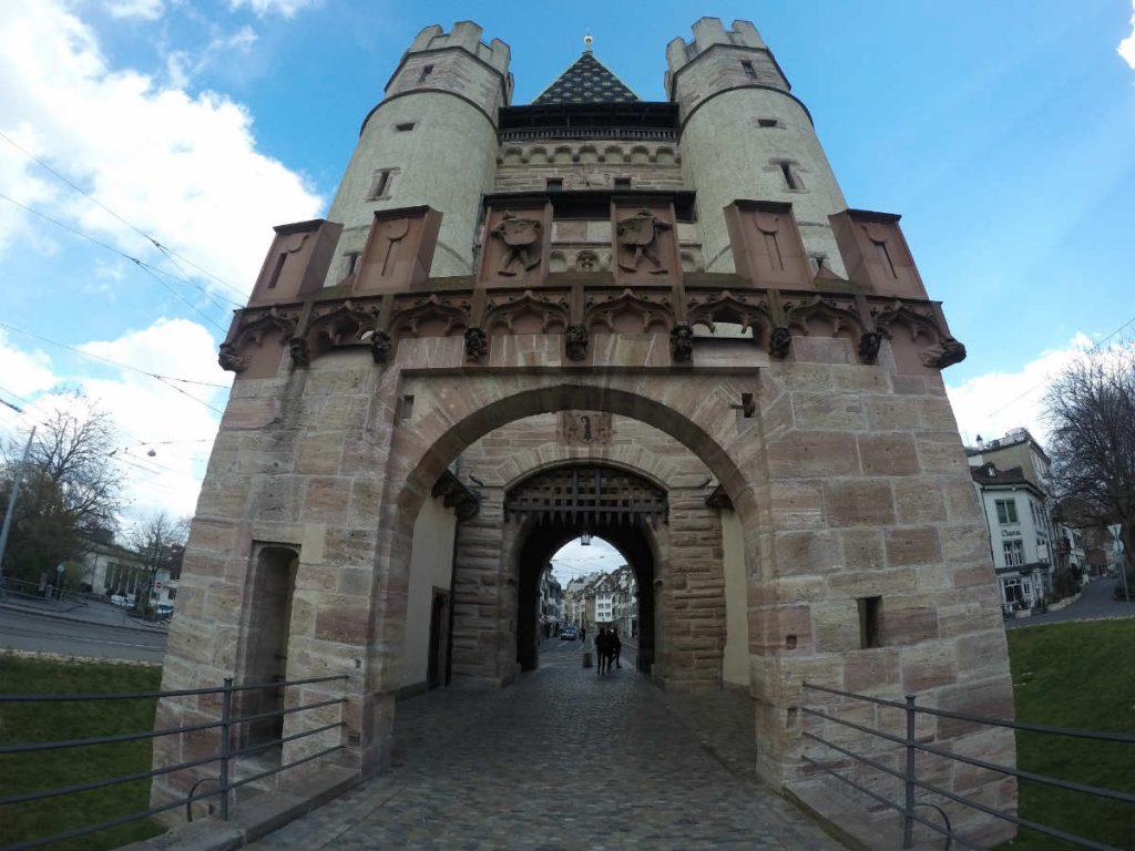 portao spalentor, um dos antigos pontos de entrada da cidade antiga da Basileia