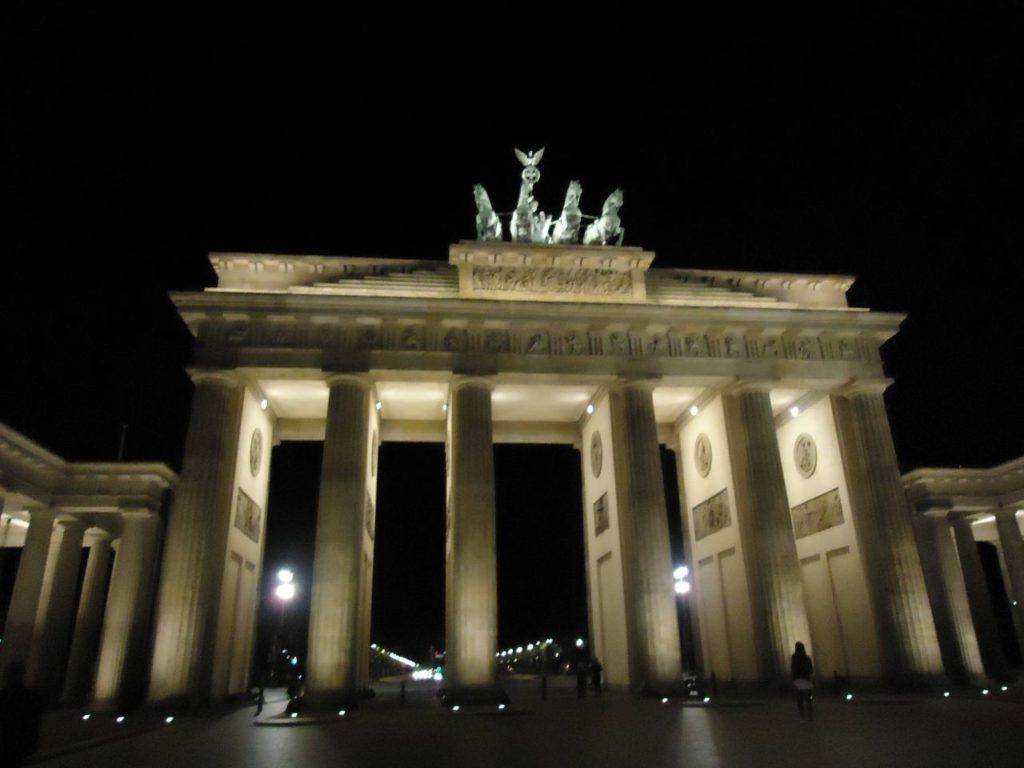 portao de brandemburgo berlim alemanha noite