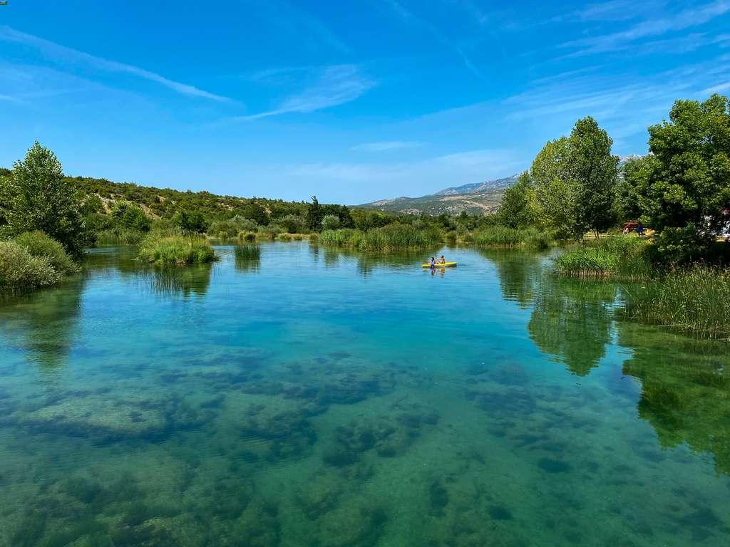 vista do rio Zrmanja, na Croácia